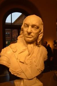 cromwell statue